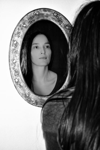 mirrorwoman
